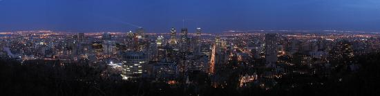 Панорама ночного Монреаля с Mont-Royal 20061217