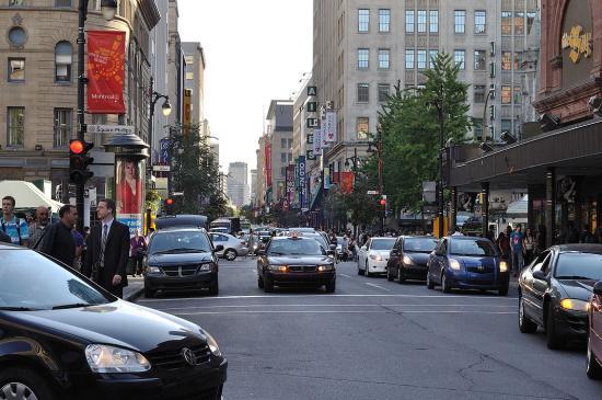 Rue Sainte-Catherine, Montreal - 5
