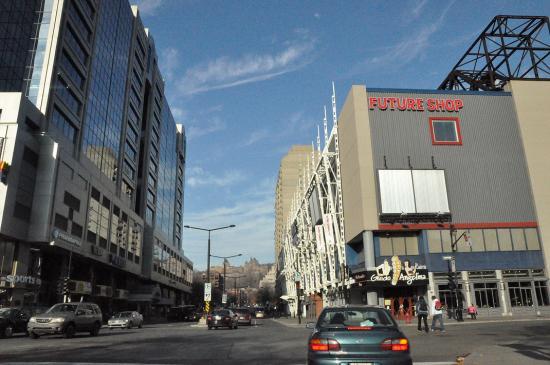 Rue Sainte-Catherine, Montreal - 6