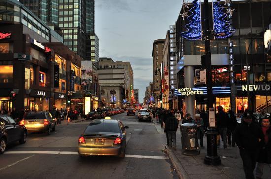 Rue Sainte-Catherine, Montreal - 39