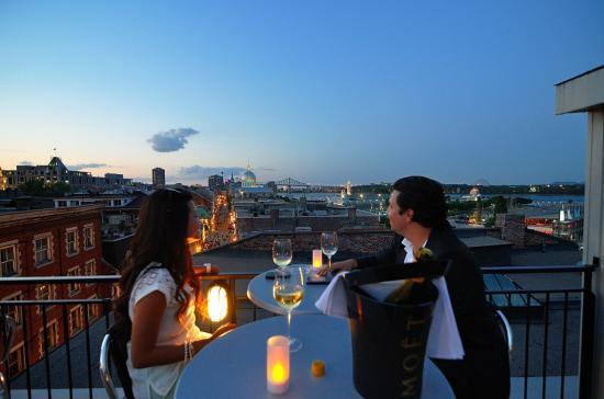 Terrasse sur L'Auberge du Vieux Port, Montreal 20120727 - 2