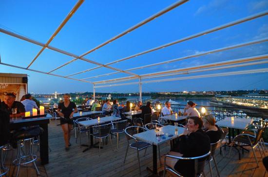 Terrasse sur L'Auberge du Vieux Port, Montreal 20120727 - 8