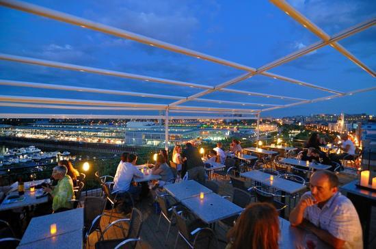 Terrasse sur L'Auberge du Vieux Port, Montreal 20120727 - 12