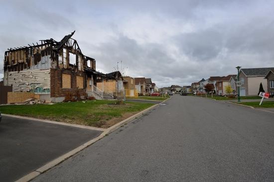 Vaudreuil-Dorion, улица Crocus, сгоревший дом 2012 - 1