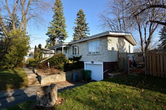 Удачный вариант покупки недвижимости в Монреале - дом за 320 тысяч в 2012 г. - 1