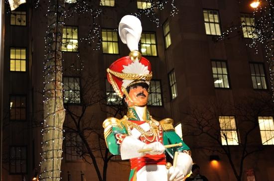 Рокфеллер плаза в Нью-Йорке 31 декабря 2010
