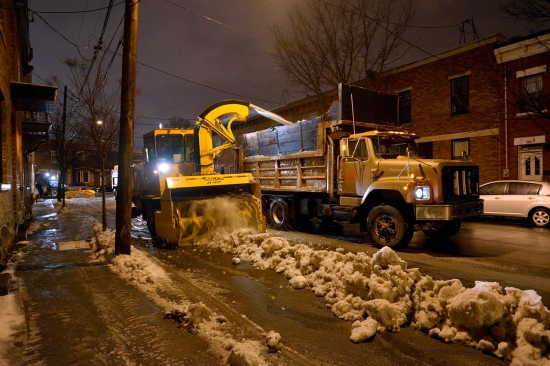 Snow Removal in Montreal on Pointe Saint-Charles - Dec 22, 2012 - 10