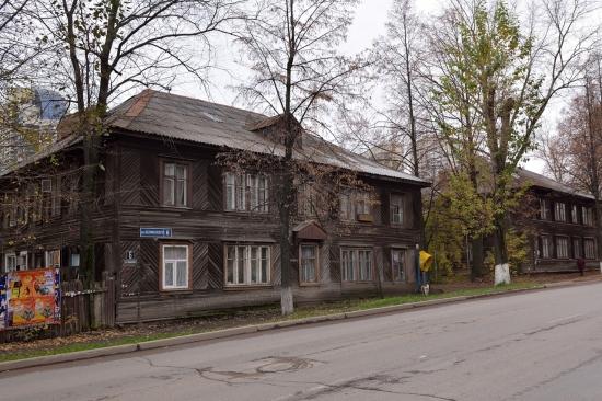 Деревянный кирпичный дом в Монреале 2013-02-27 - 2