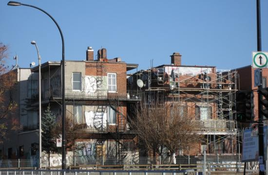 Decarie - Monkland, brick