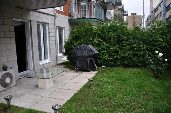 Собственный участок небольшого кондо в Cote-Saint-Luc