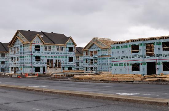Строительство кондоминиумов в St-Hubert, Южный берег