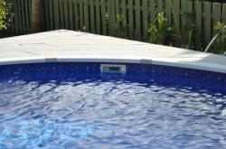 Уровень воды в  бассейне
