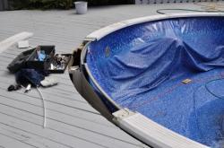 Pool - repair -   4