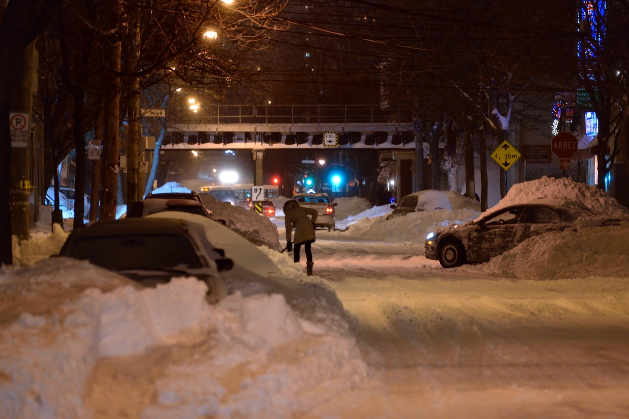 Snow Removal in Montreal on Pointe Saint-Charles - Dec 22, 2012 - 25