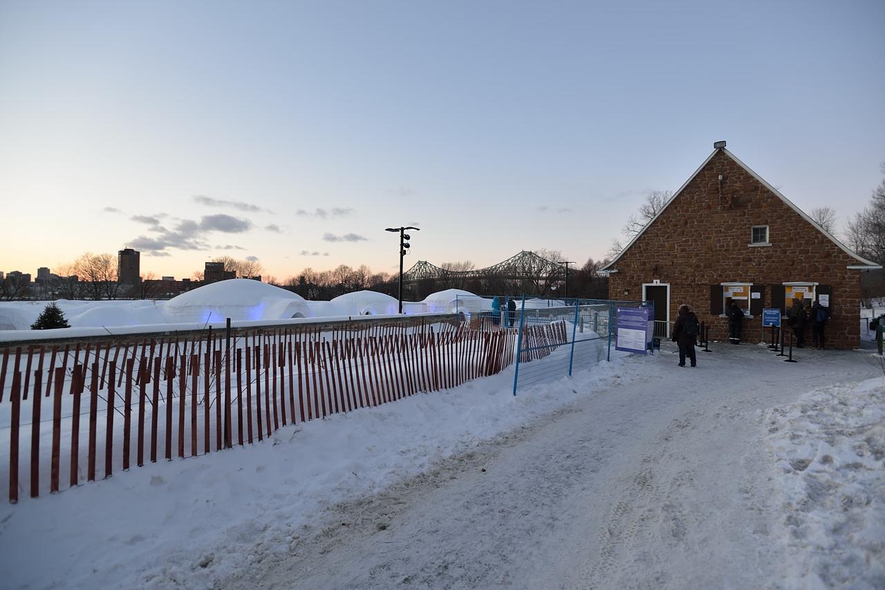 Fête des neiges de Montréal au Parc Jean-Drapeau, Snow Village 2013-01-20 - 15