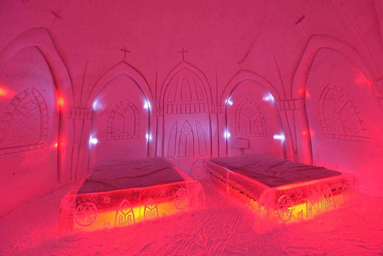 Fête des neiges de Montréal au Parc Jean-Drapeau, Snow Village 2013-01-20 - 33