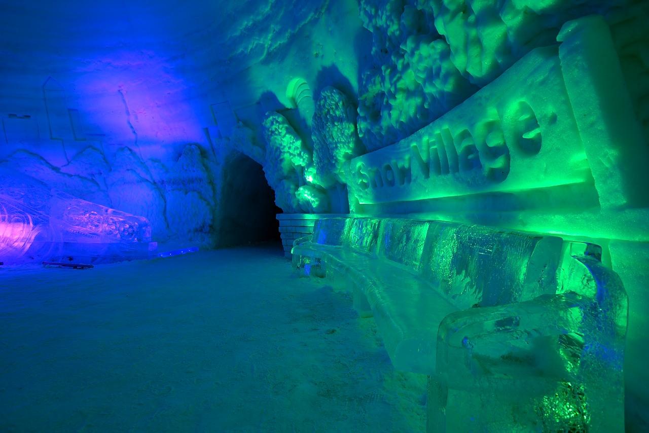 Fête des neiges de Montréal au Parc Jean-Drapeau, Snow Village 2013-01-20 - 41