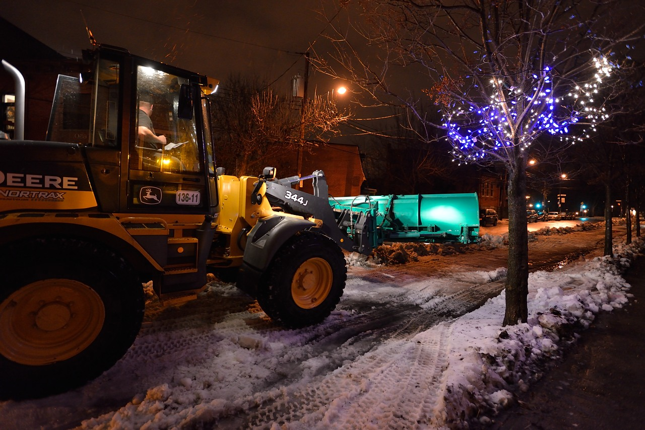 Snow Removal in Montreal on Pointe Saint-Charles - Dec 22, 2012 - 18