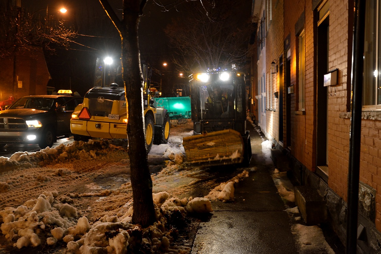 Snow Removal in Montreal on Pointe Saint-Charles - Dec 22, 2012 - 22