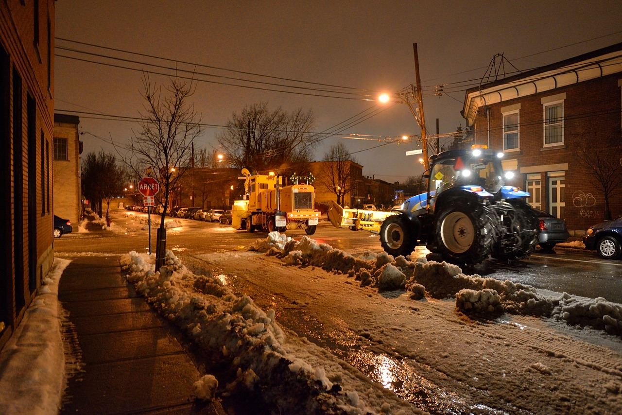 Snow Removal in Montreal on Pointe Saint-Charles - Dec 22, 2012 - 24